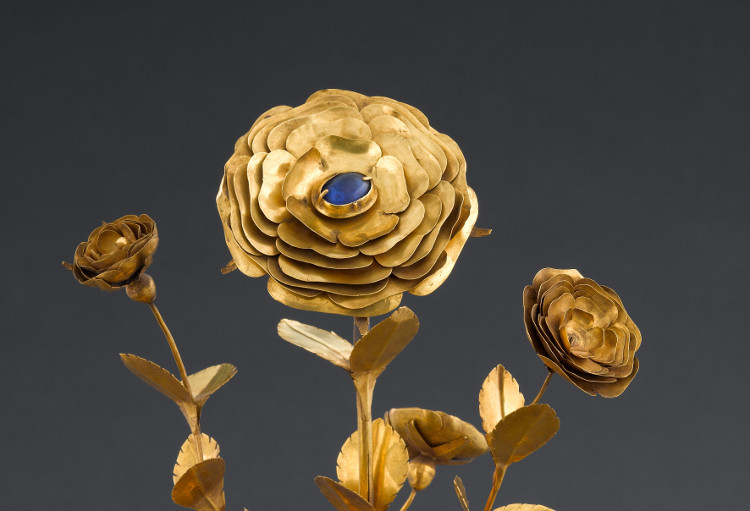 Golden Rose sculpture at the Musée de Cluny